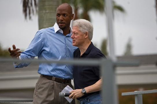 Bill Clinton and Alonzo Mourning at Verde Gardens
